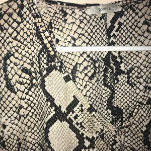 JODIFL Tops - Snake print dolman sleeve tunic by JODIFL